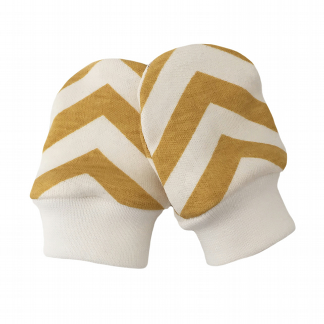 ORGANIC Baby SCRATCH MITTENS in SUN YELLOW SKINNY CHEVRONS  A New Baby Gift Idea