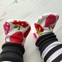 Handmade Strawberries & Cherries Slippers Pram Shoes Baby GIFT IDEA Size 3-6m