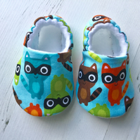 BELLAOSKI Handmade Blue Multi RACCOONS Slippers Pram Shoes Baby GIFT Size 3-6m