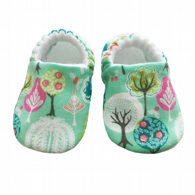 Baby Shoes First Walkers Green WOODLAND Kids Slippers Pram Shoes Gift Idea 0-9Y
