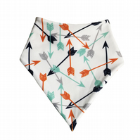 ORGANIC Baby Bandana Dribble Bib in SCATTERED ARROWS Gift Idea from BellaOski
