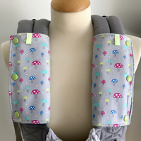 DROOL PADS Strap Covers for ERGO or CUSTOM Baby Carrier in Grey Toadstool Fabric