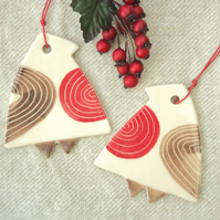 Robins x 2 - Hanging decoration - Christmas - ceramic - Mid Century - Retro