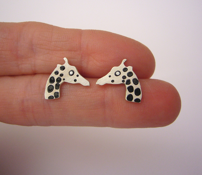Giraffe stud earrings