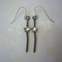 Wire and flower earrings