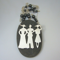 Lady & friends necklace
