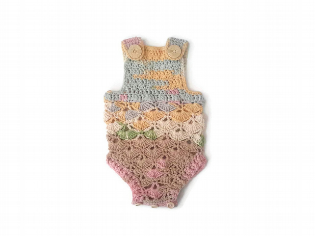 Gorgeous baby girl rompers in soft cotton mix. 0-3 months