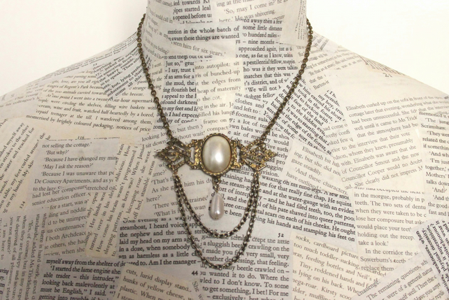 Vintage Steampunk Pearl Pendant Gold Necklace