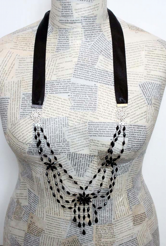 Steampunk Vintage Statement Ribbon Diamonte Bead Silver Necklace