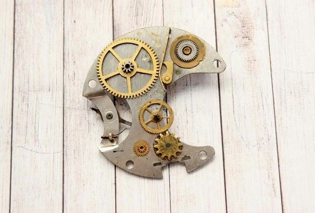 Upcycled Repurposed Steampunk Vintage Pocket Watch Brooch Pin
