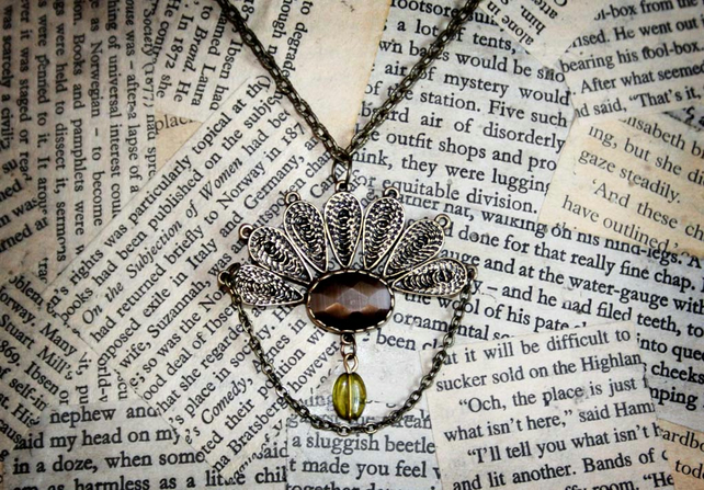 Vintage Inspired Fan Peacock Necklace