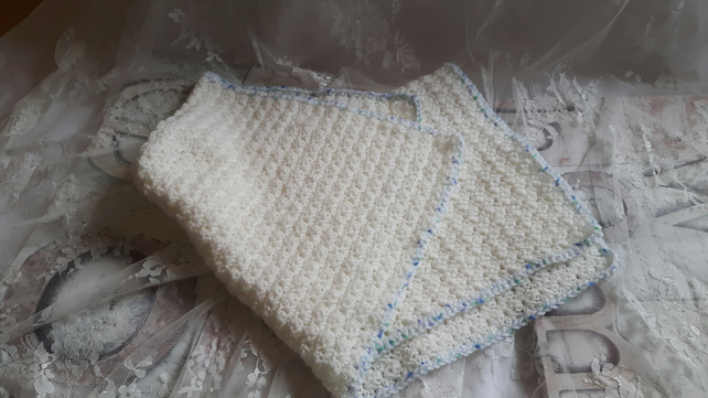 Pram size baby blanket in white and blue