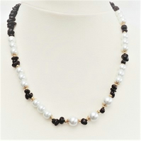 Garnet And Pearls Necklace.