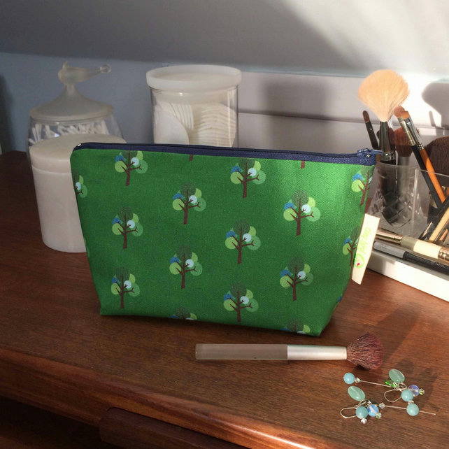 Green and blue Oak Tree pattern Make-up, Cosmetics, Toiletries Bag