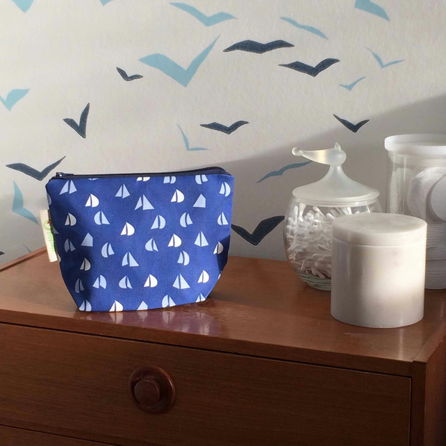 Blue Yacht Sail pattern Make-up, Cosmetics, Toiletries Bag