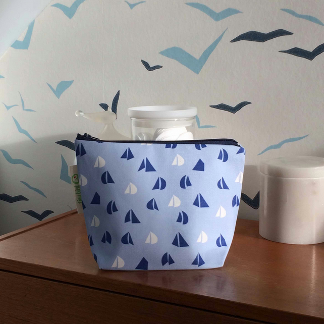 Light Blue Yacht Sail pattern Make-up, Cosmetics, Toiletries Bag