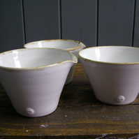 1.5 Pint Pourer or Mixing Bowl - Hand Thrown Pottery