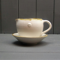 Gravy boat and saucer - Hand Thrown Pottery