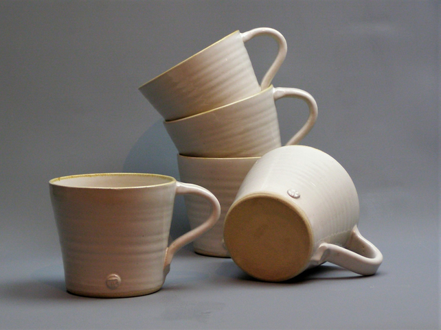 Pint Pot - Hand Thrown Pottery