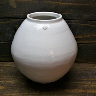 Large Moon Jar - Hand Trown Ceramics