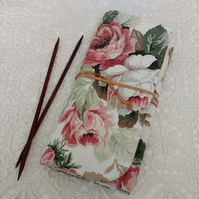 Knitting needle roll suitable for 8 inch dpns