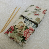 Knitting needle roll suitable for 8inch dpns
