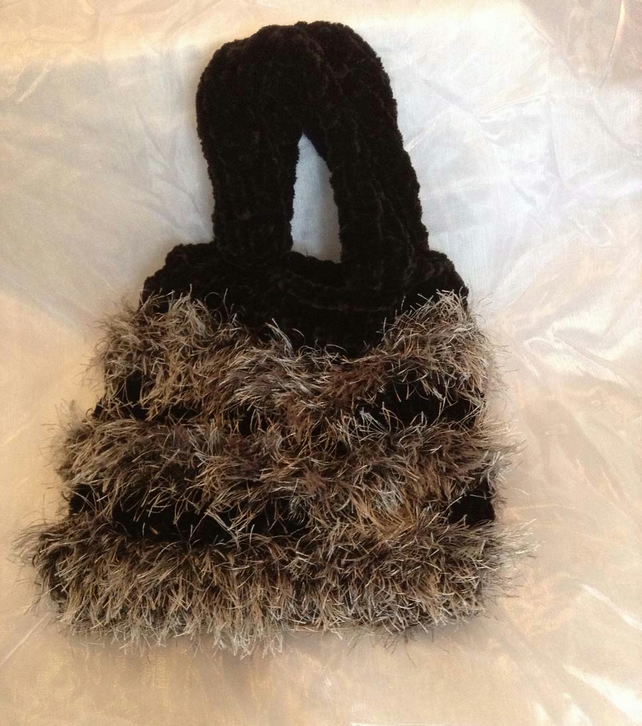 Black and grey furry knitted bag