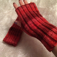 Red stripy fingerless hand warmers