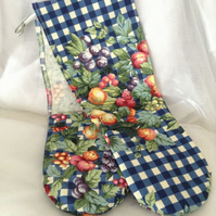 Kitsch oven gloves