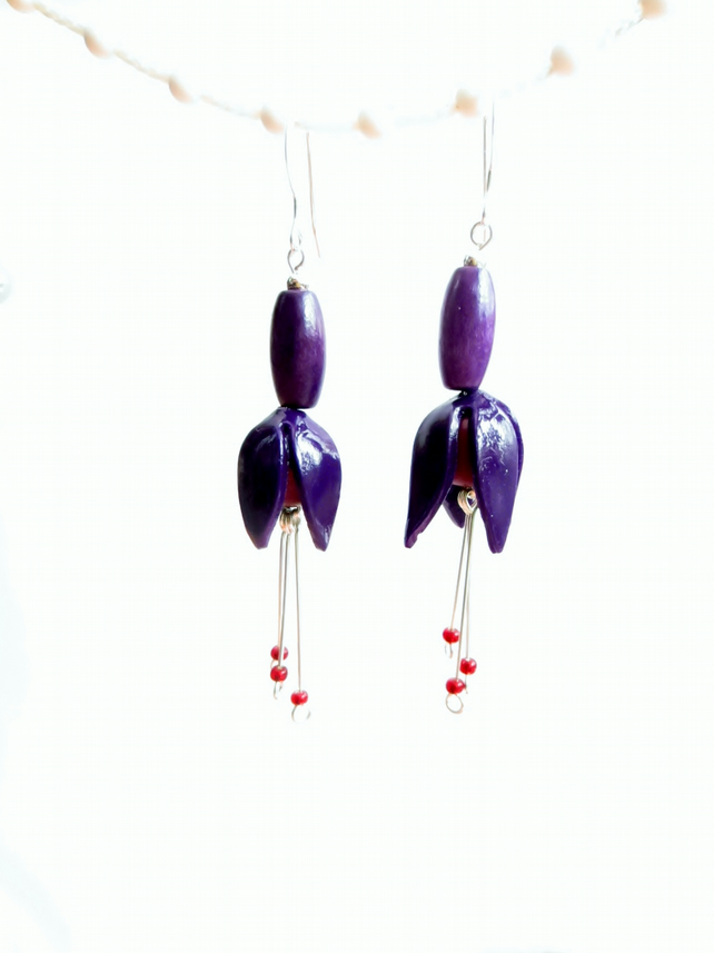 Fuchsia flower earring, wooden bead type, purple