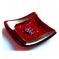 Fused Glass Trinket Dish 8cm Red heart Bordered Dichroic 002