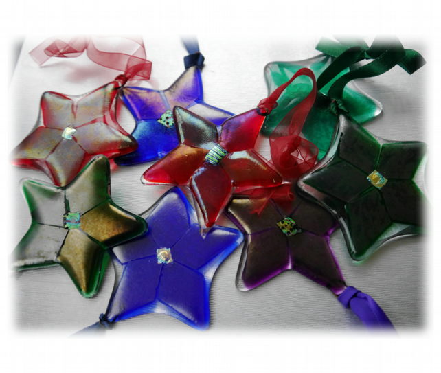 Star Fused Glass Hanging Decoration 7.5cm Dichroic