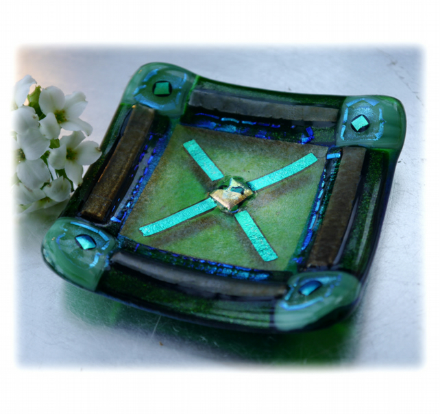Fused Glass Trinket Dish 8.cm Green Aqua Bordered Dichroic 020