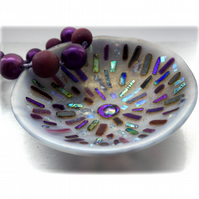 Fused Glass Bowl Round 12.5cm Lavender Dichroic 013