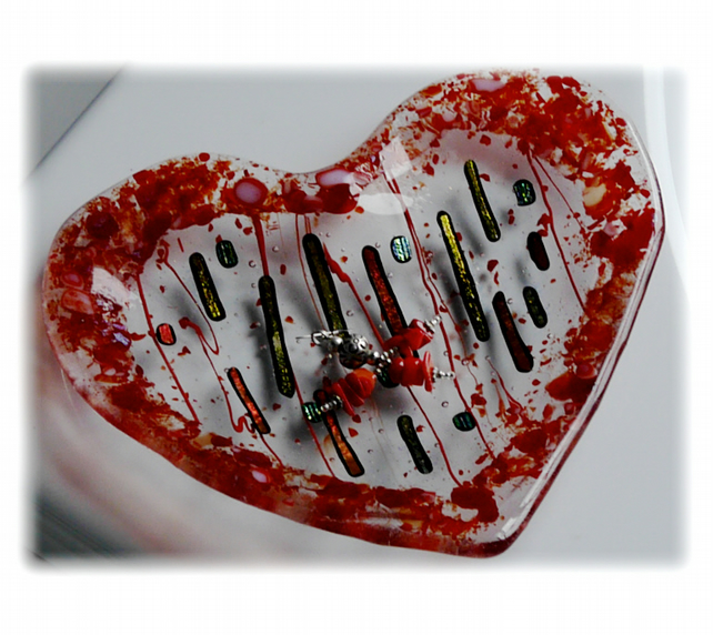 Fused Glass Heart Dish red Bordered Dichroic 15cm