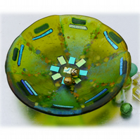 Fused Glass Bowl Round 12.5cm Lime and Lemon Dichroic 020