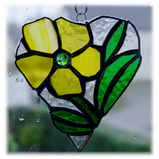Primrose Heart Suncatcher Stained Glass 003