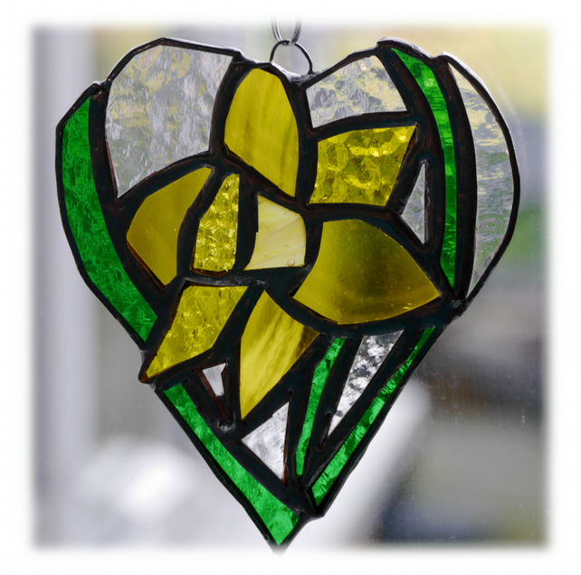 Daffodil Heart Suncatcher Stained Glass 007