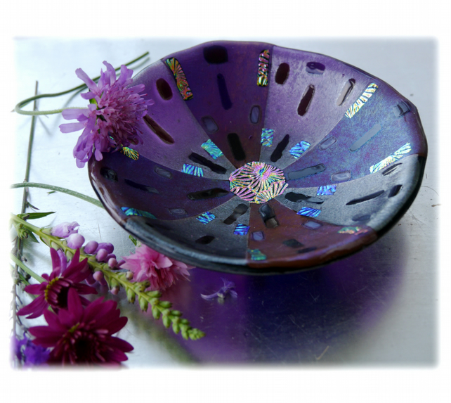 Fused Glass Bowl Round 12.5cm Violet Plum Dichroic 033