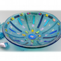 Fused Glass Bowl Round 12.5cm Turquoise Dichroic 037