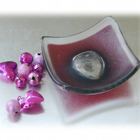 Earring Ring Dish Fused Glass 7cm Fuschia Pink Deep Heart Dichroic