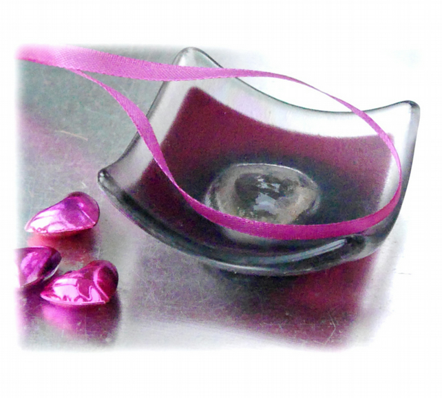 Earring Ring Dish Fused Glass 7cm Cranberry Pink Deep Heart Dichroic