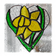 Daffodil Heart Suncatcher Stained Glass 009