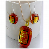 Dichroic Glass Pendant Earring Set 055 Red Gold handmade with gold plated chain