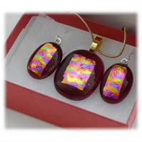 Dichroic Glass Pendant Earring Set 067 Cranberry Bubbles with gold plated chain