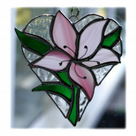 :Lily Heart Suncatcher Stained Glass 006 Pink