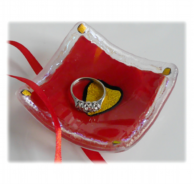 Earring Ring Dish Fused Glass 6.5cm Red Dichroic Heart 016