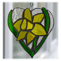 Daffodil Heart Suncatcher Stained Glass 011