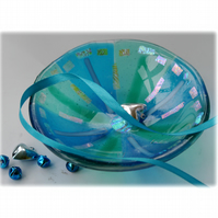 Fused Glass Bowl Round 13.5cm Turquoise Dichroic 041