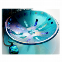 Fused Glass Bowl Round 13.cm Aquamarine Dichroic 042